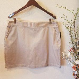 🛍Izod Khaki Skort Size 14